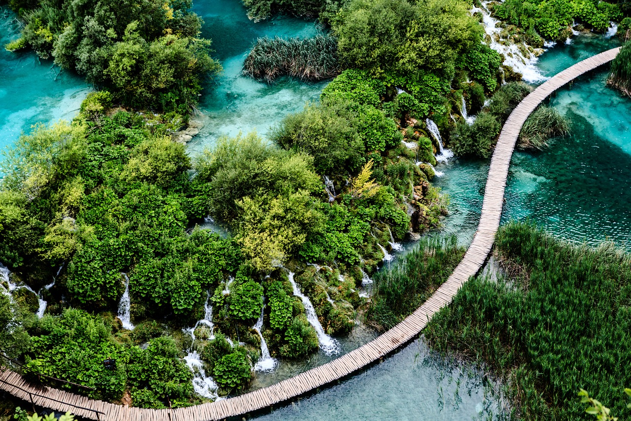 croatia plitvice waterfall
